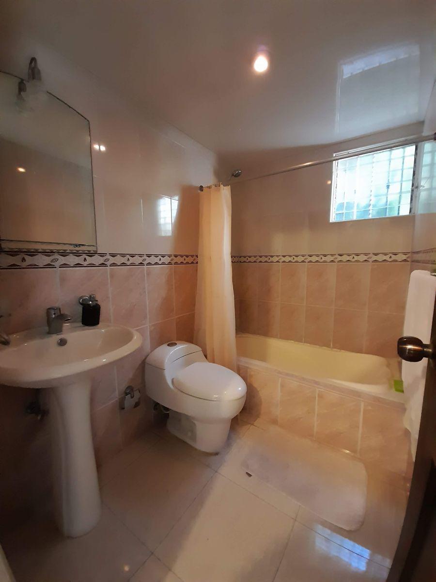15 de 18: Baño Secundario