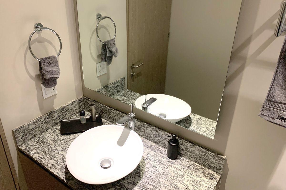 27 de 30: Baño principal