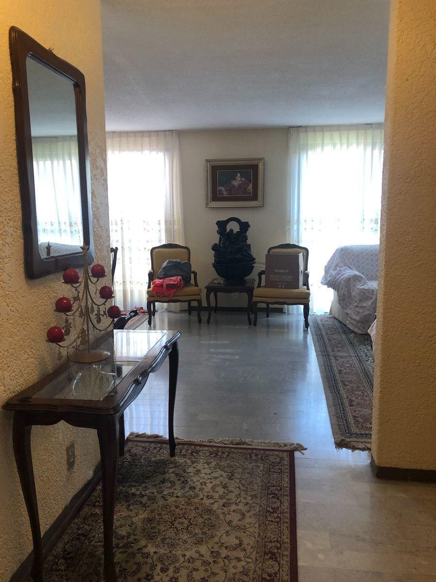 3 de 26: Recibidor y closet de visitas