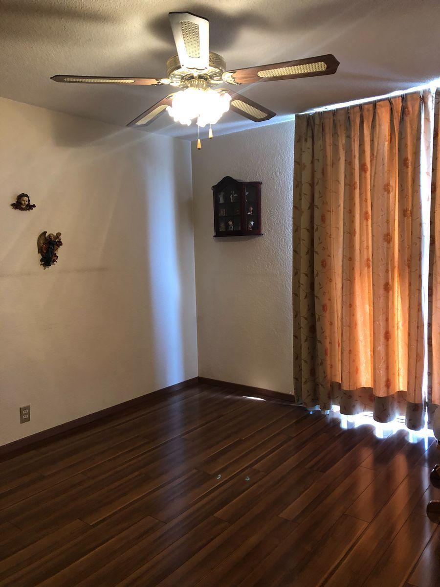 13 de 26: Habitación principal con closet