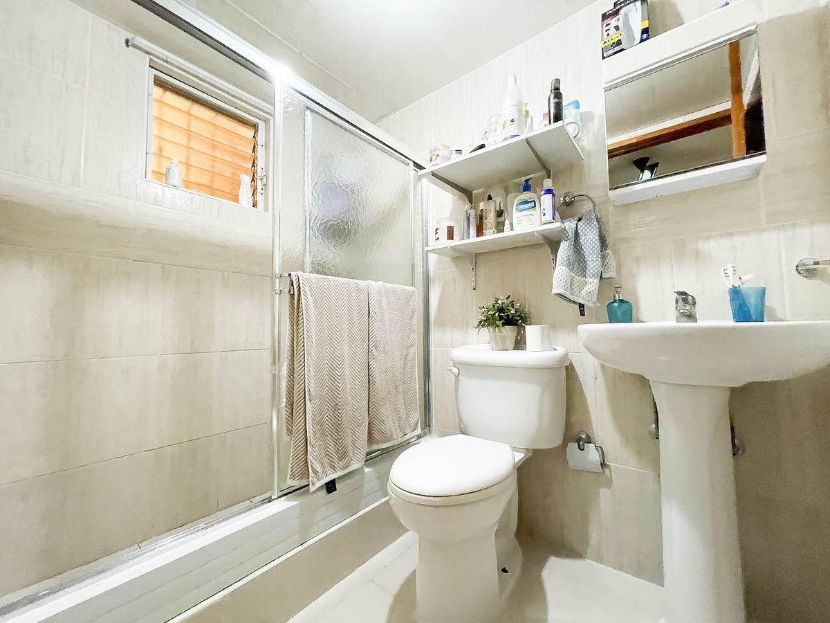 9 de 12: Baño habitación principal