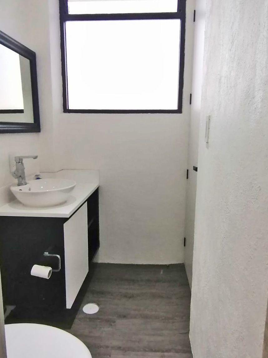 14 de 23: Baño  privado principal
