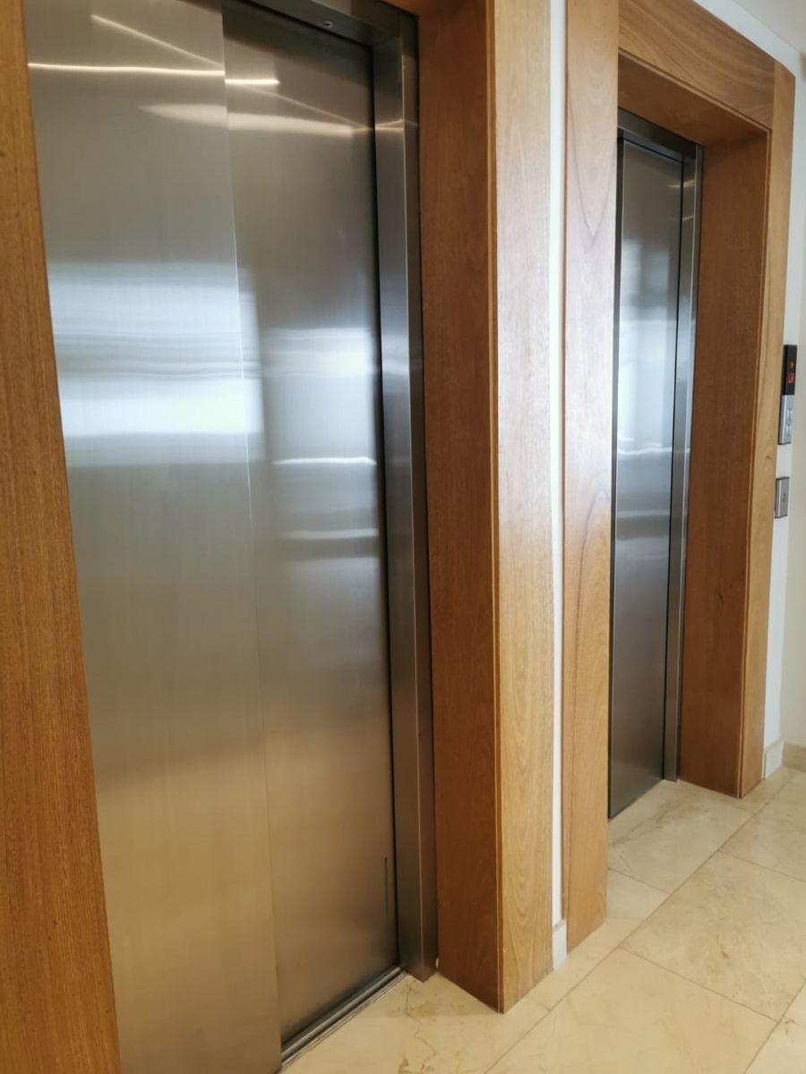 28 de 29: tres ascensores