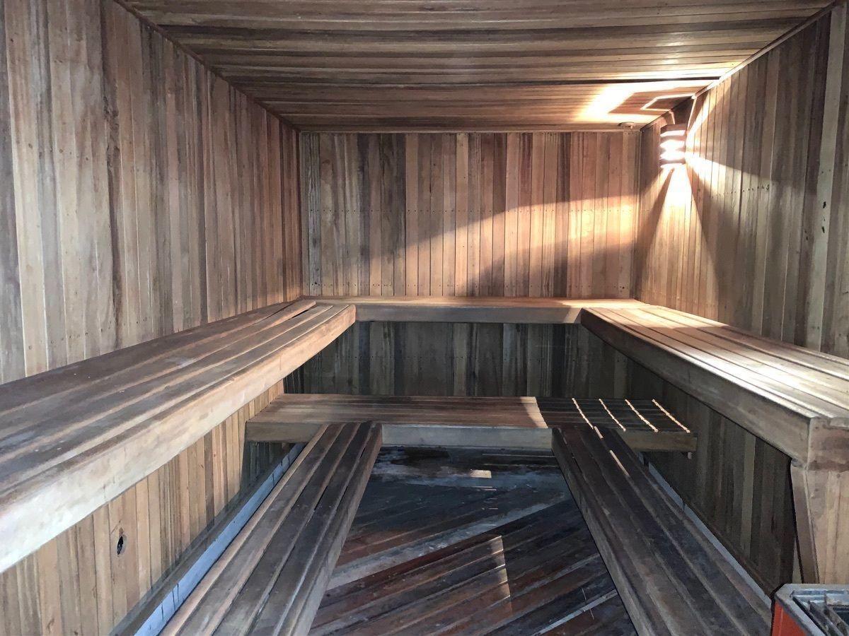 19 de 21: Sauna área común