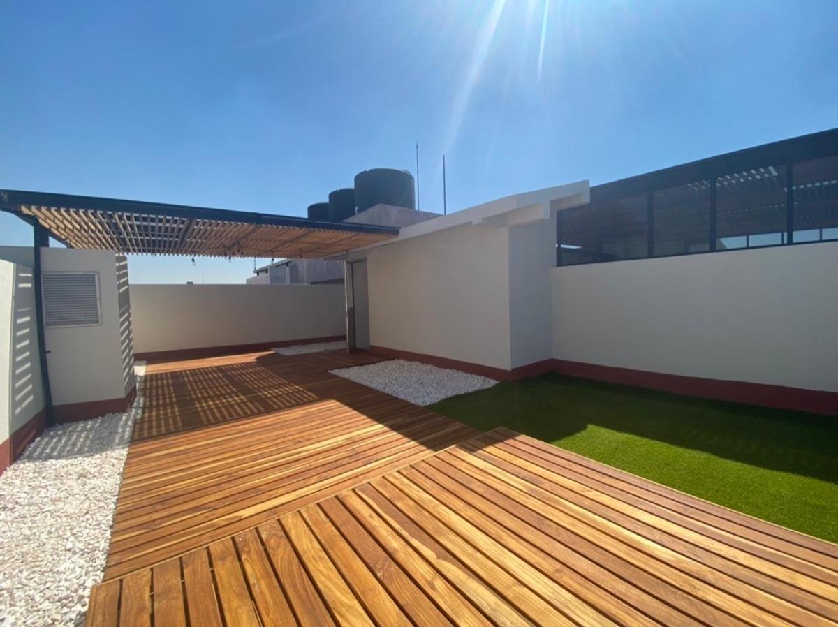 8 de 12: Lindo piso en el roof garden