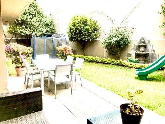 2 de 50: Jardin y terraza
