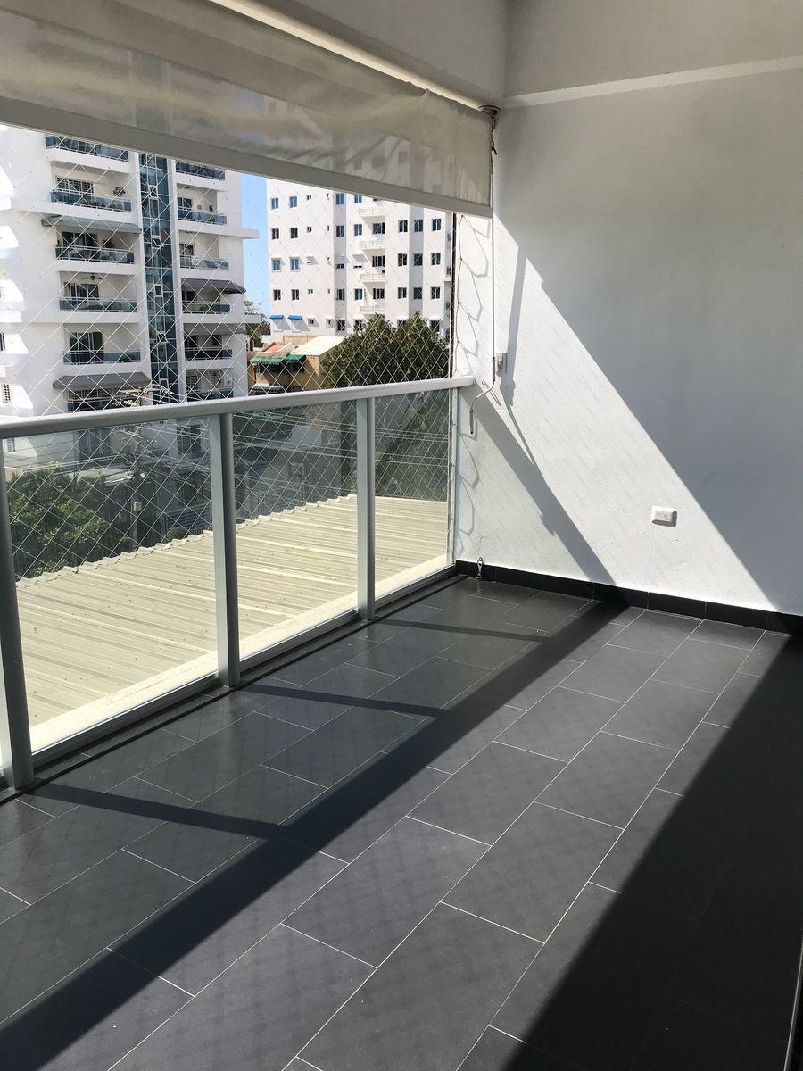3 de 12: Balcón tipo terraza