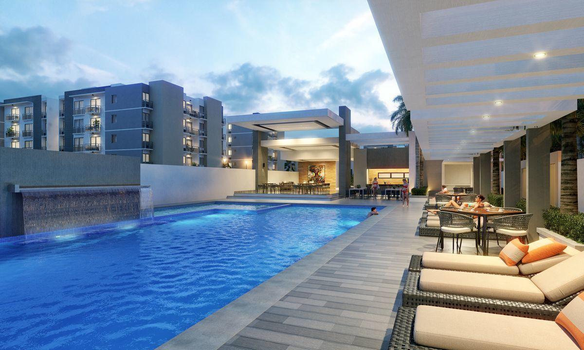 12 de 18: piscina frente al restaurante