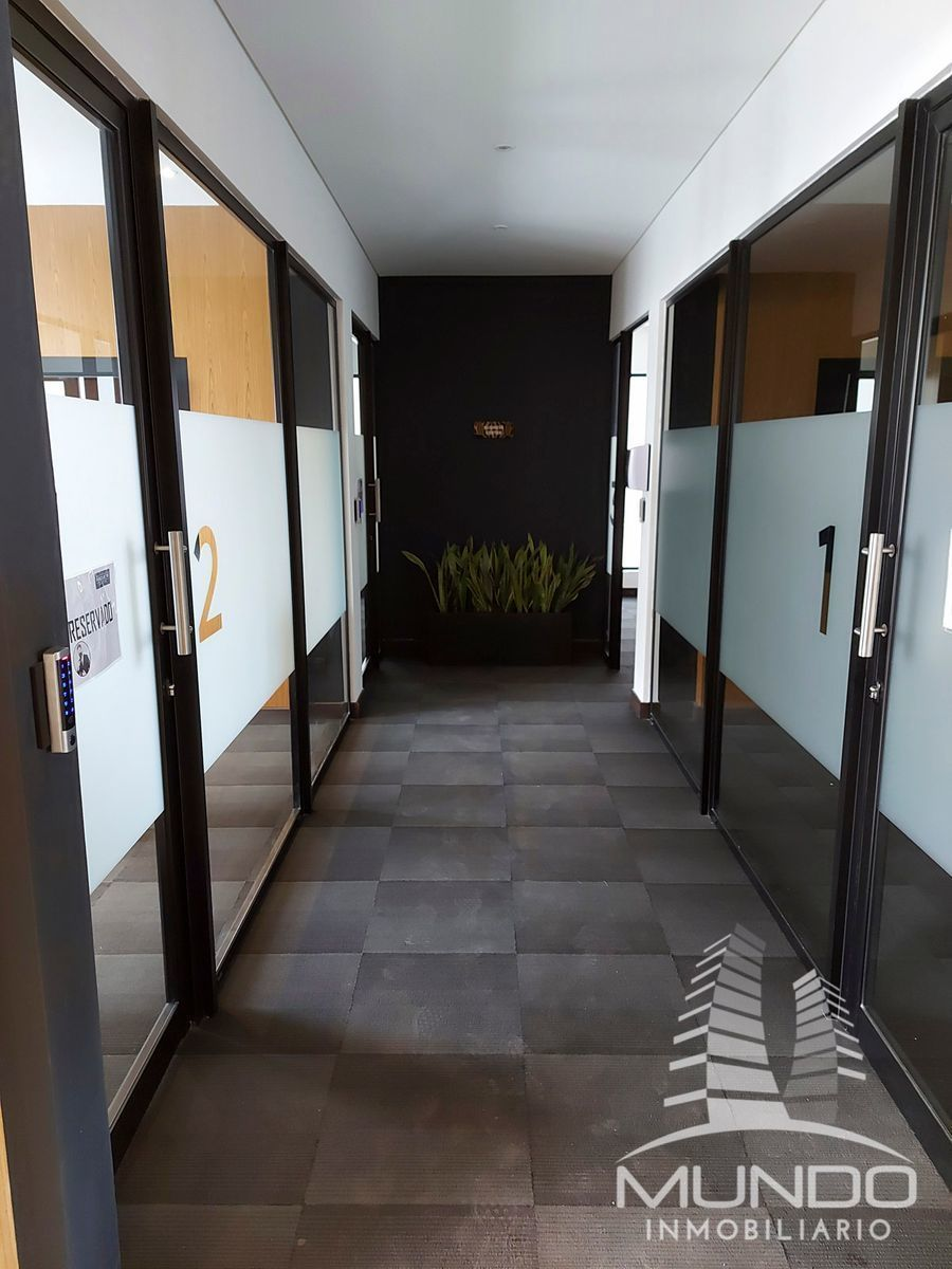 14 de 15: Vista de pasillos al Business Center y Gimnasio