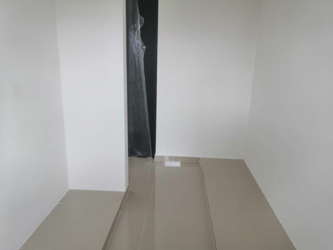 10 de 20: Closet Vestidor Recámara Principal