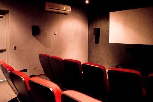 19 de 22: Sala de cine