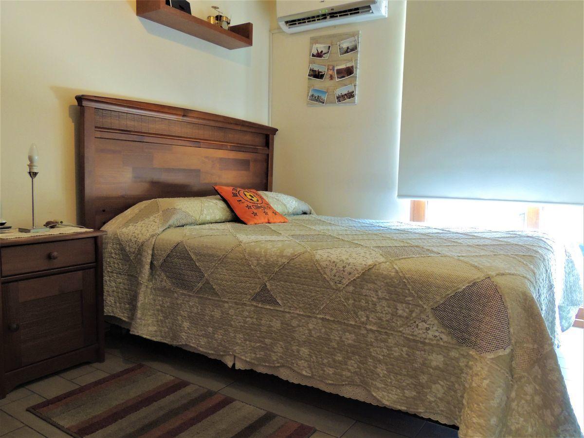 25 de 43: Dormitorio 1