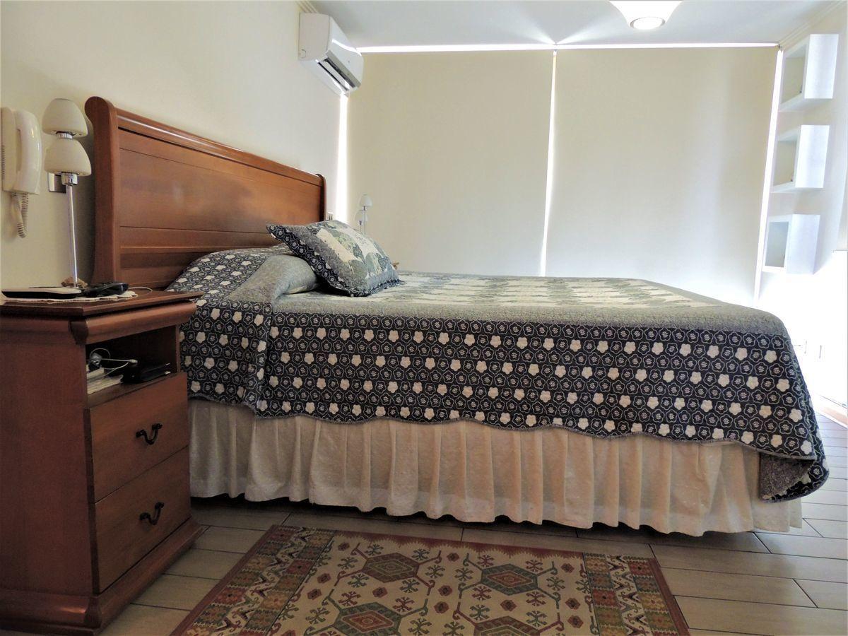 30 de 43: Dormitorio Principal en Suite