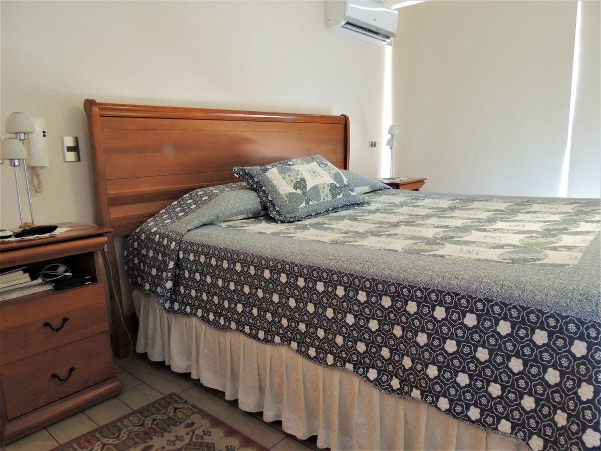 32 de 43: Dormitorio Principal en Suite