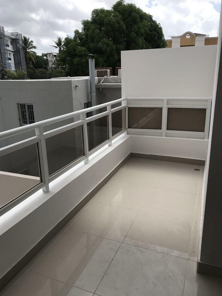 1 de 12: Amplio Balcon