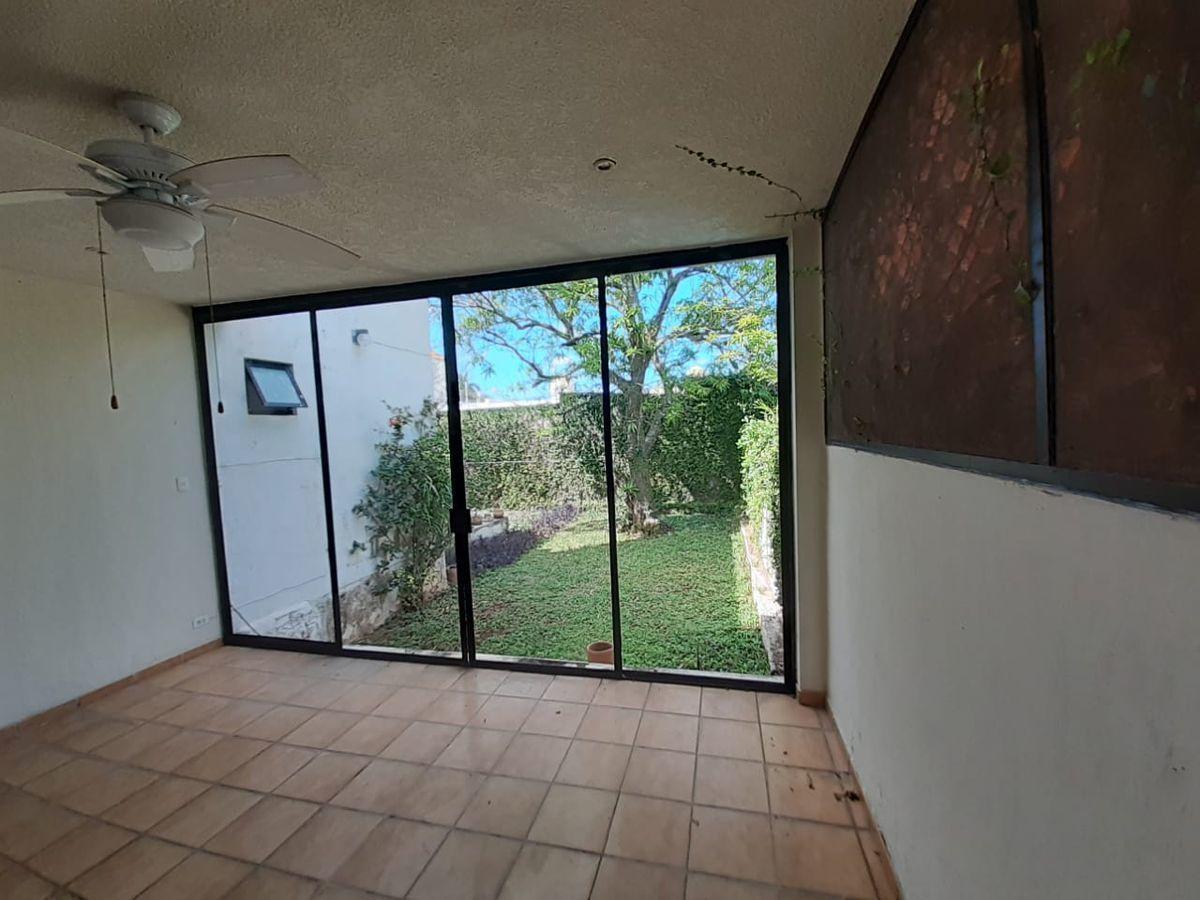 6 de 23: terraza y vista al jardín