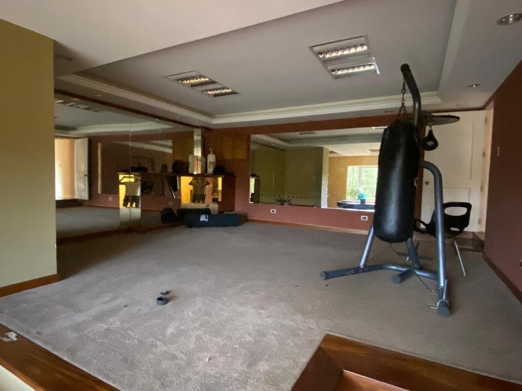 7 de 9: Apartamento o Gym  Con Baño y Jacuzzi Billar