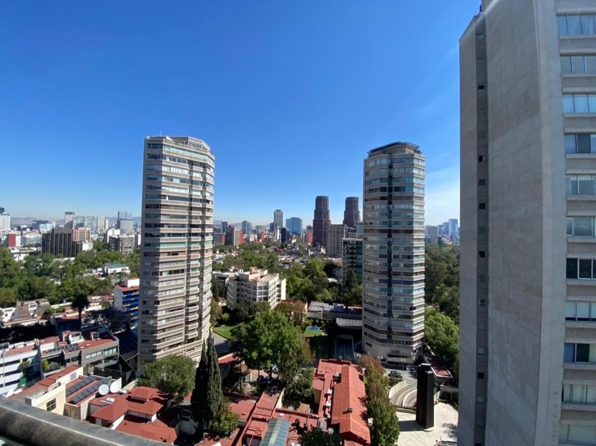 7 de 25: Vista balcón de las recámaras