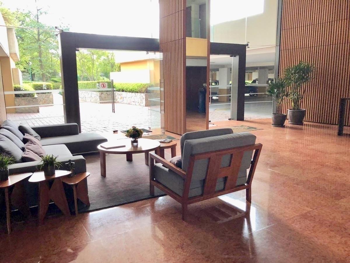 26 de 37: Lobby del edificio
