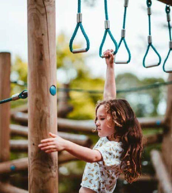 26 de 29: Área de Juegos Infantiles
