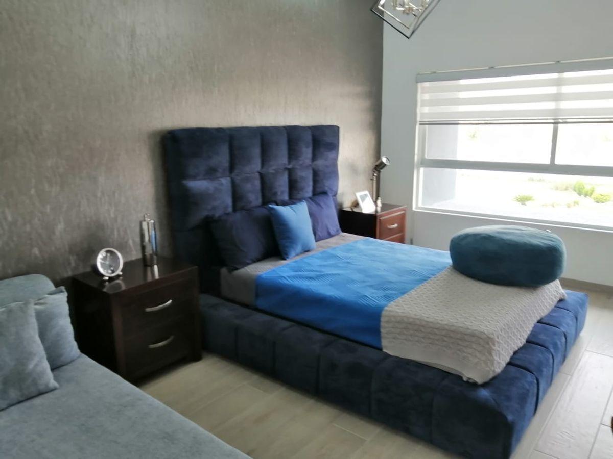 13 de 32: la segunda habitación con espacio para dos camas