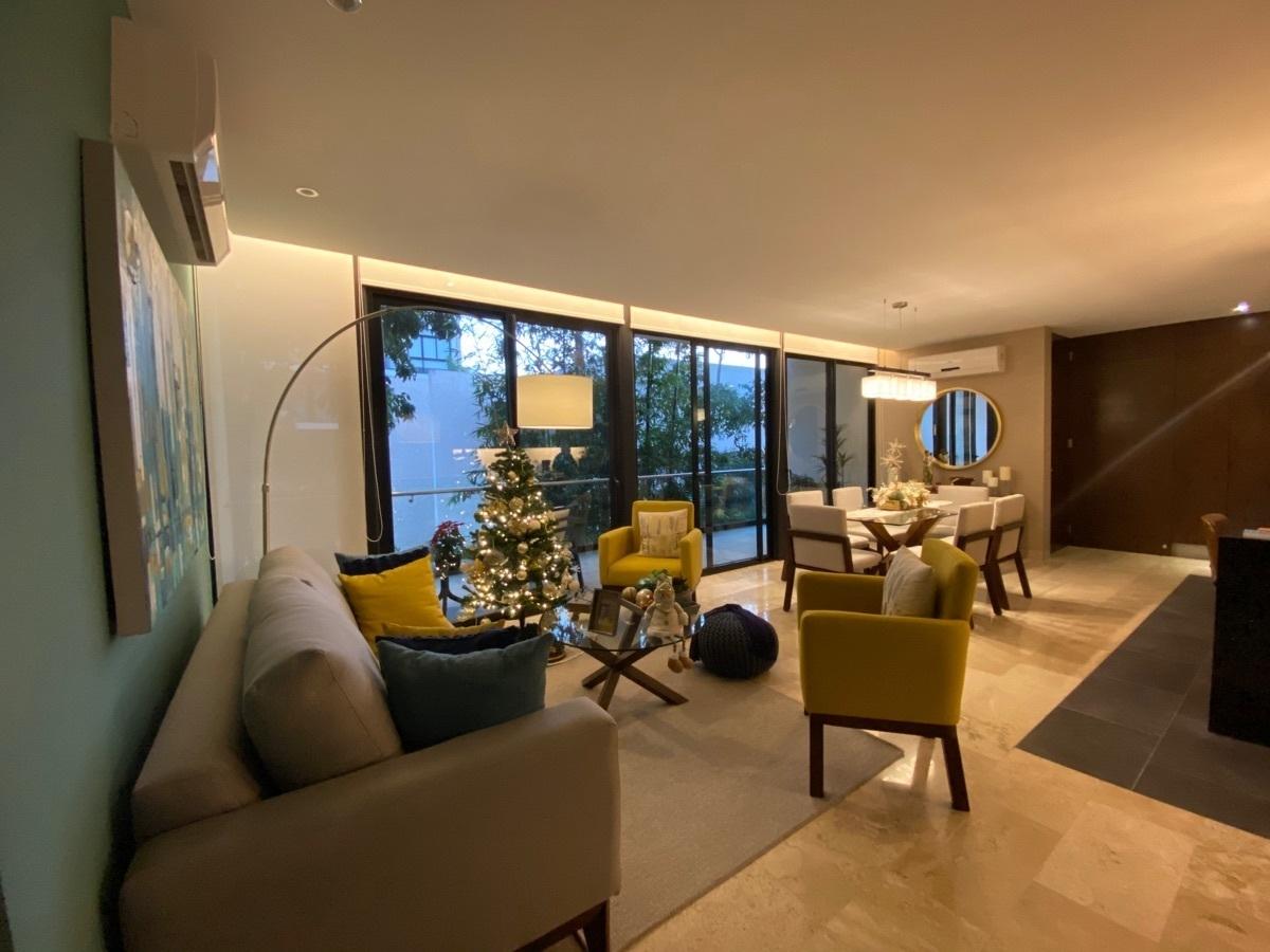 23 de 33: pisos mármol, persianas, climas etc