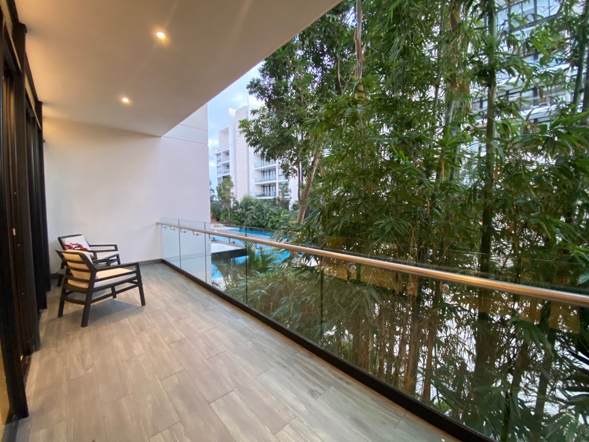 24 de 33: amplio balcón con linda vista