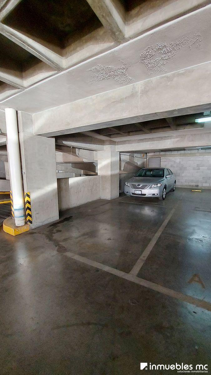 23 de 29: Cajón de estacionamiento