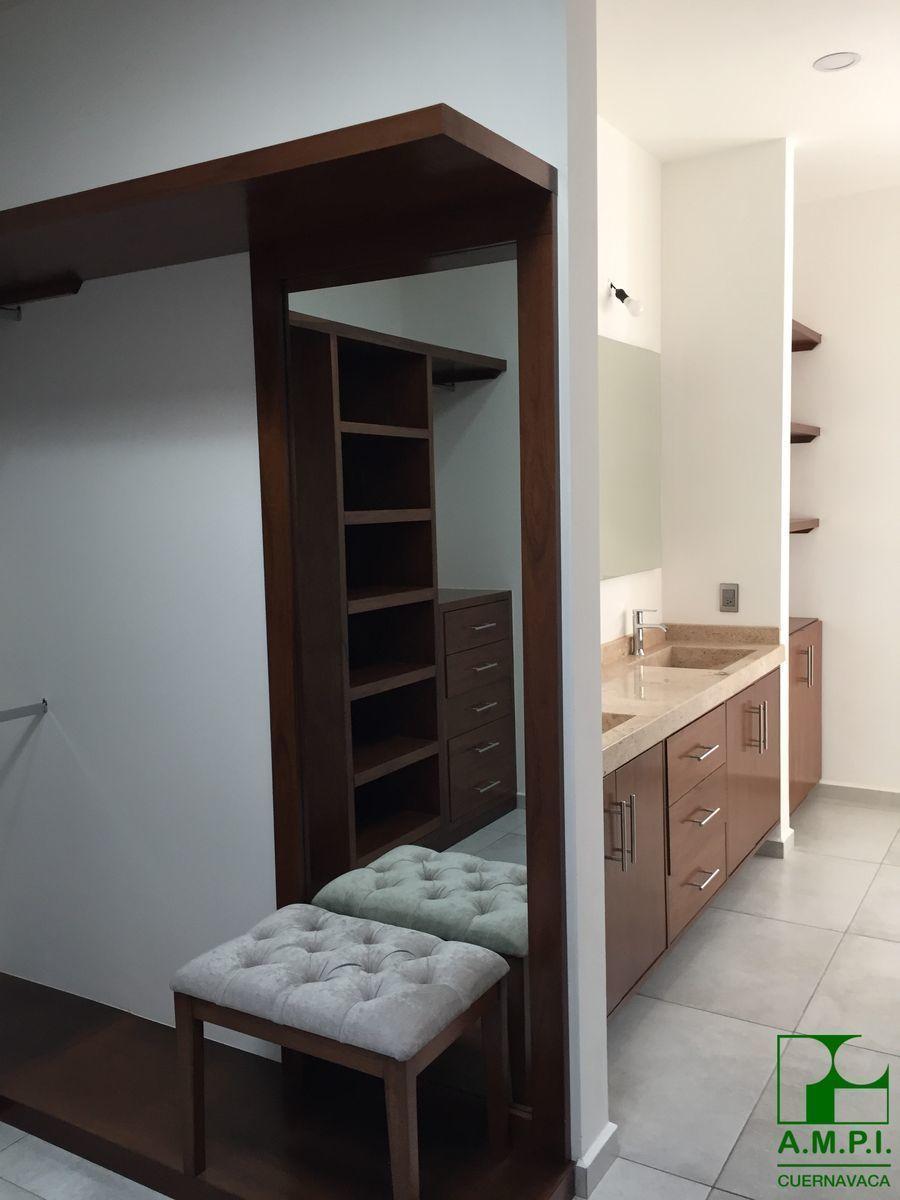 11 de 36: Habitaciones amplias con baño completo y vestidor, acabados