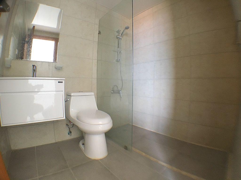 7 de 11: Baño habitación principal
