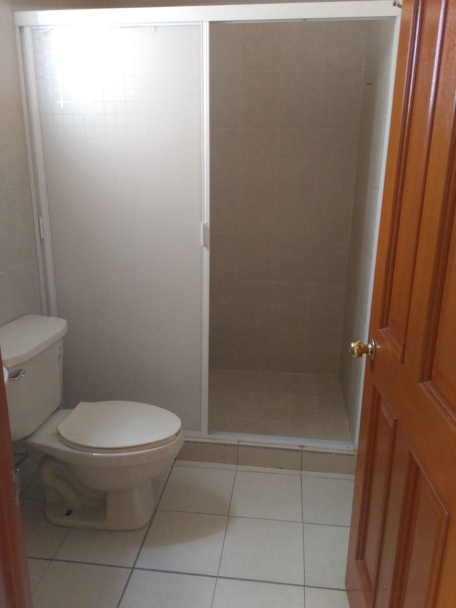 11 de 16: Baño recámara principal