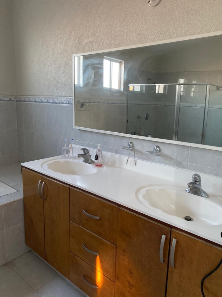31 de 35: Baño recámara principal