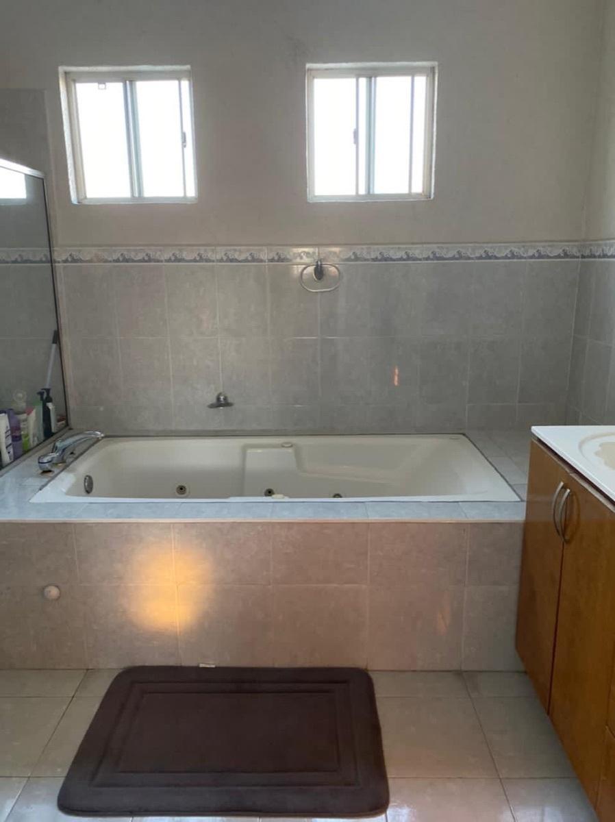29 de 35: Baño recámara principal
