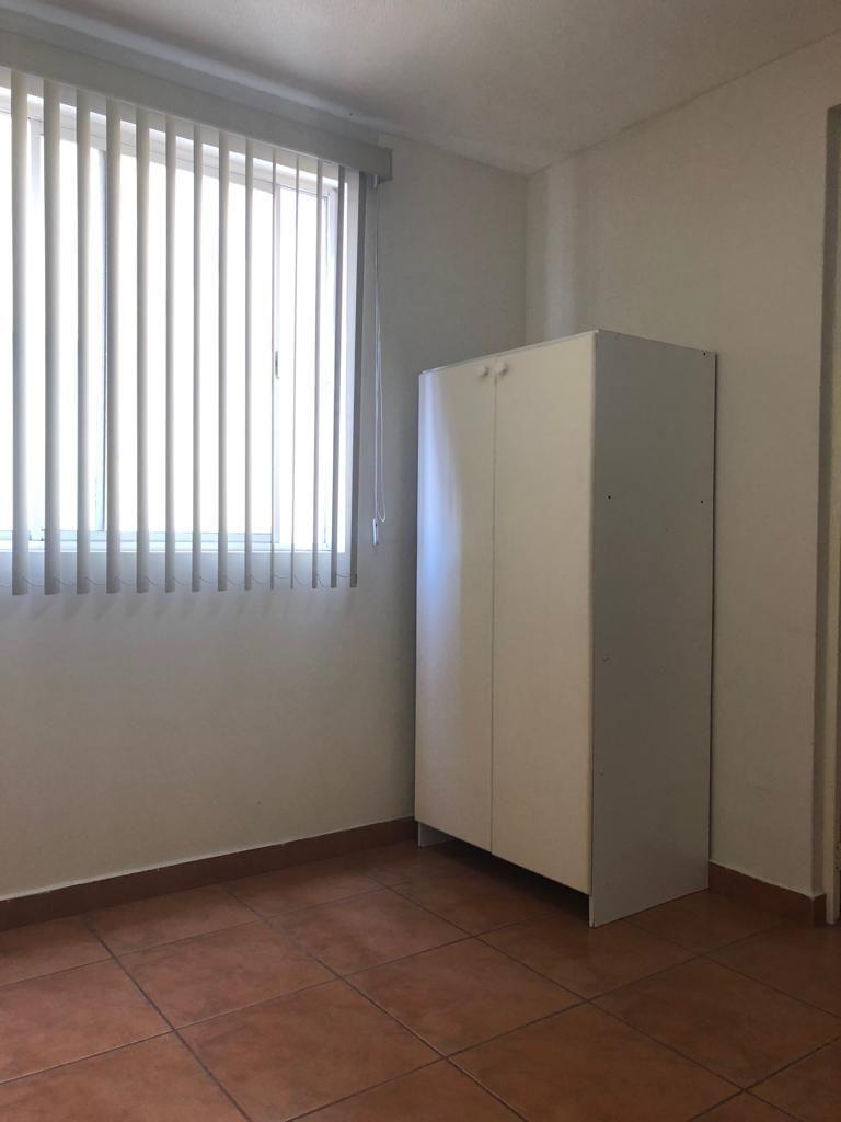 15 de 31: Mueble Blanco