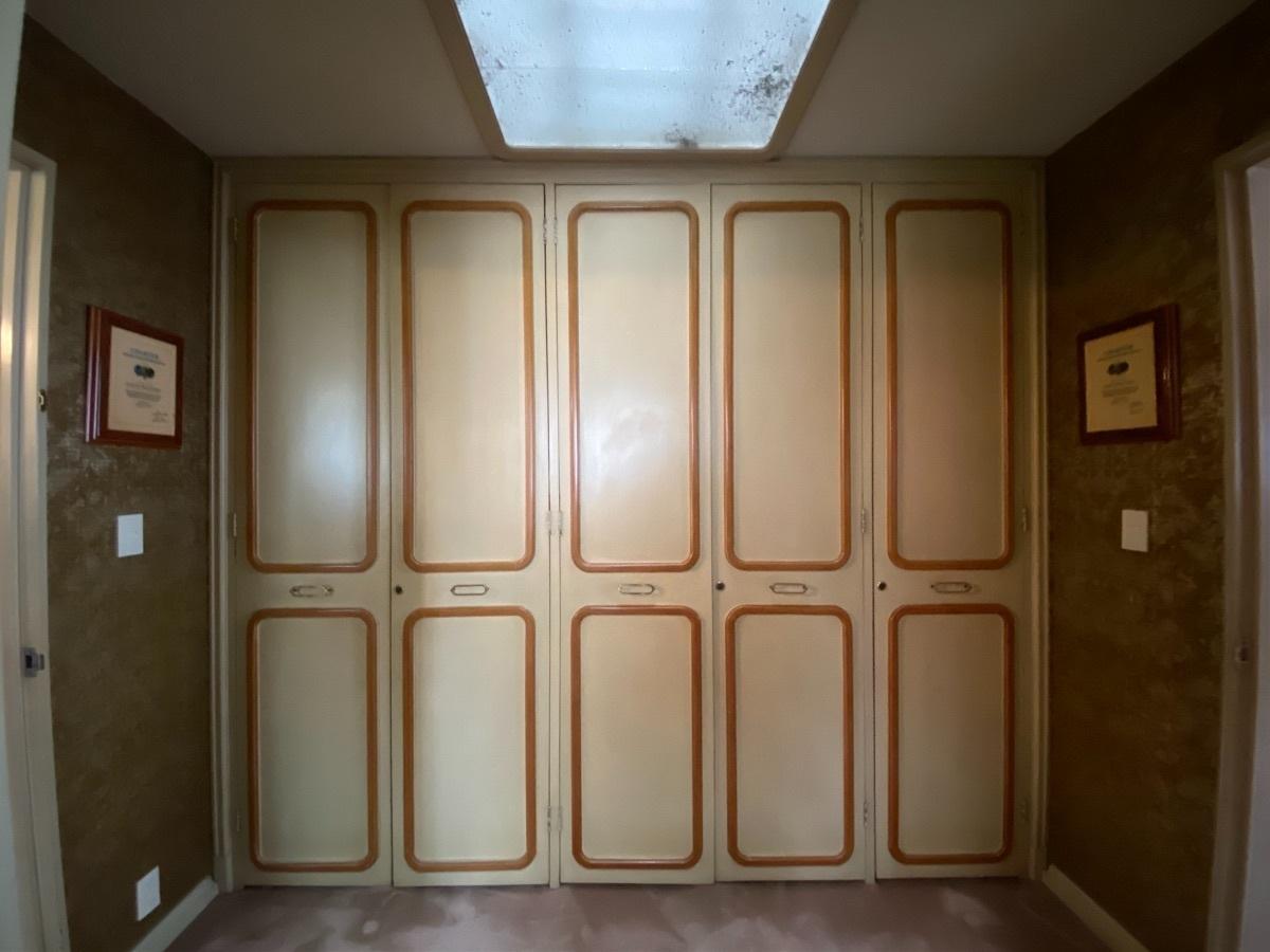 14 de 28: Amplios closets empotrados