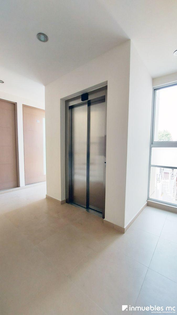 17 de 20: elevador por torre