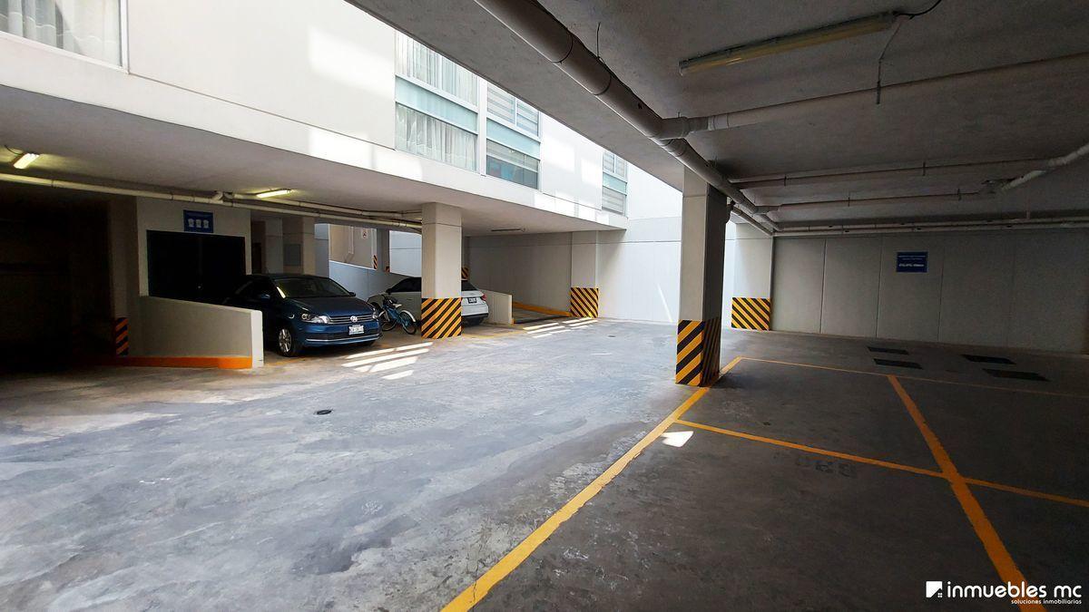 18 de 20: 2 niveles de estacionamiento