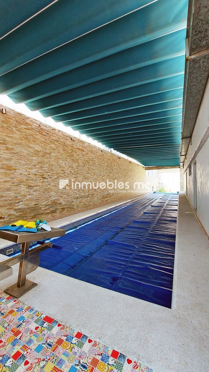 6 de 38: jardín de nado con trampolín semi techado