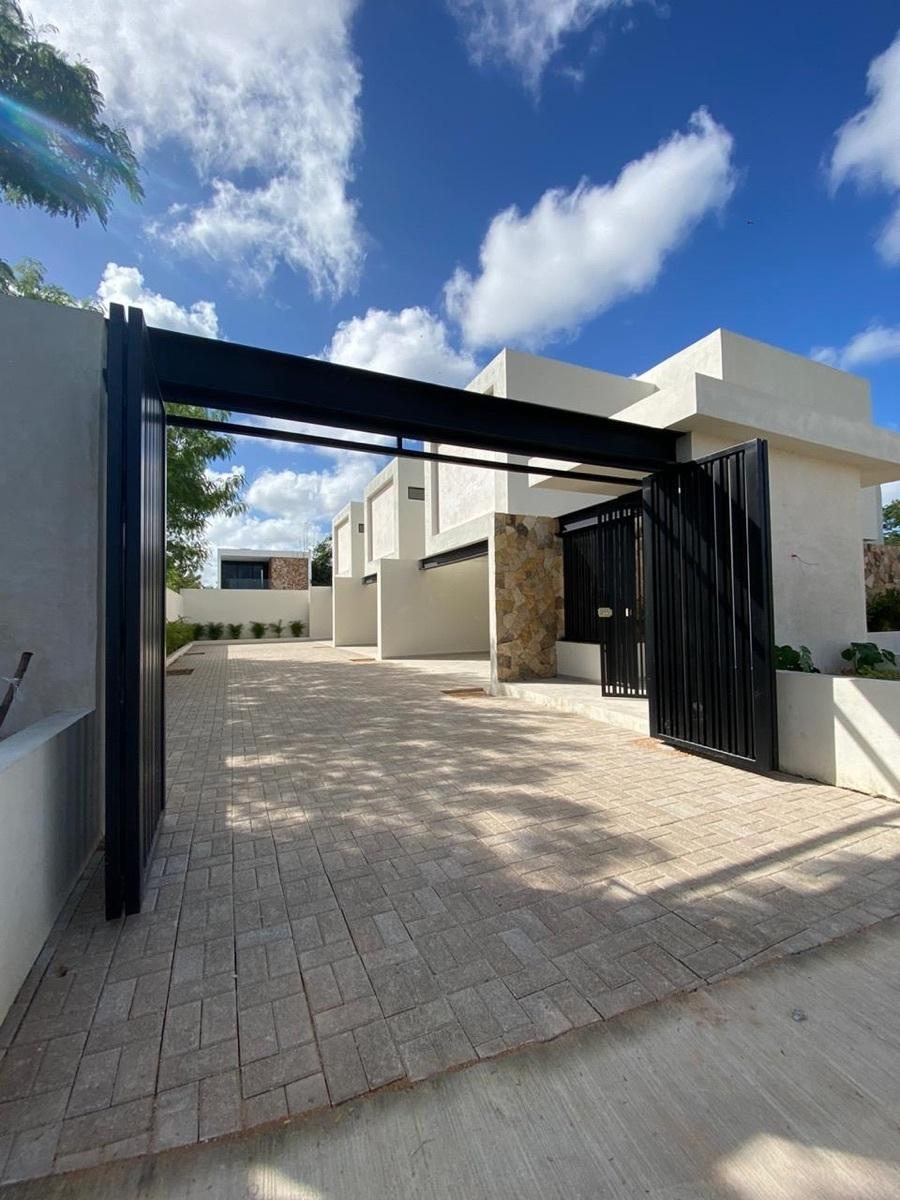 2 de 13: Casa en venta nueva en Merida Yucatan, Chichen Realty