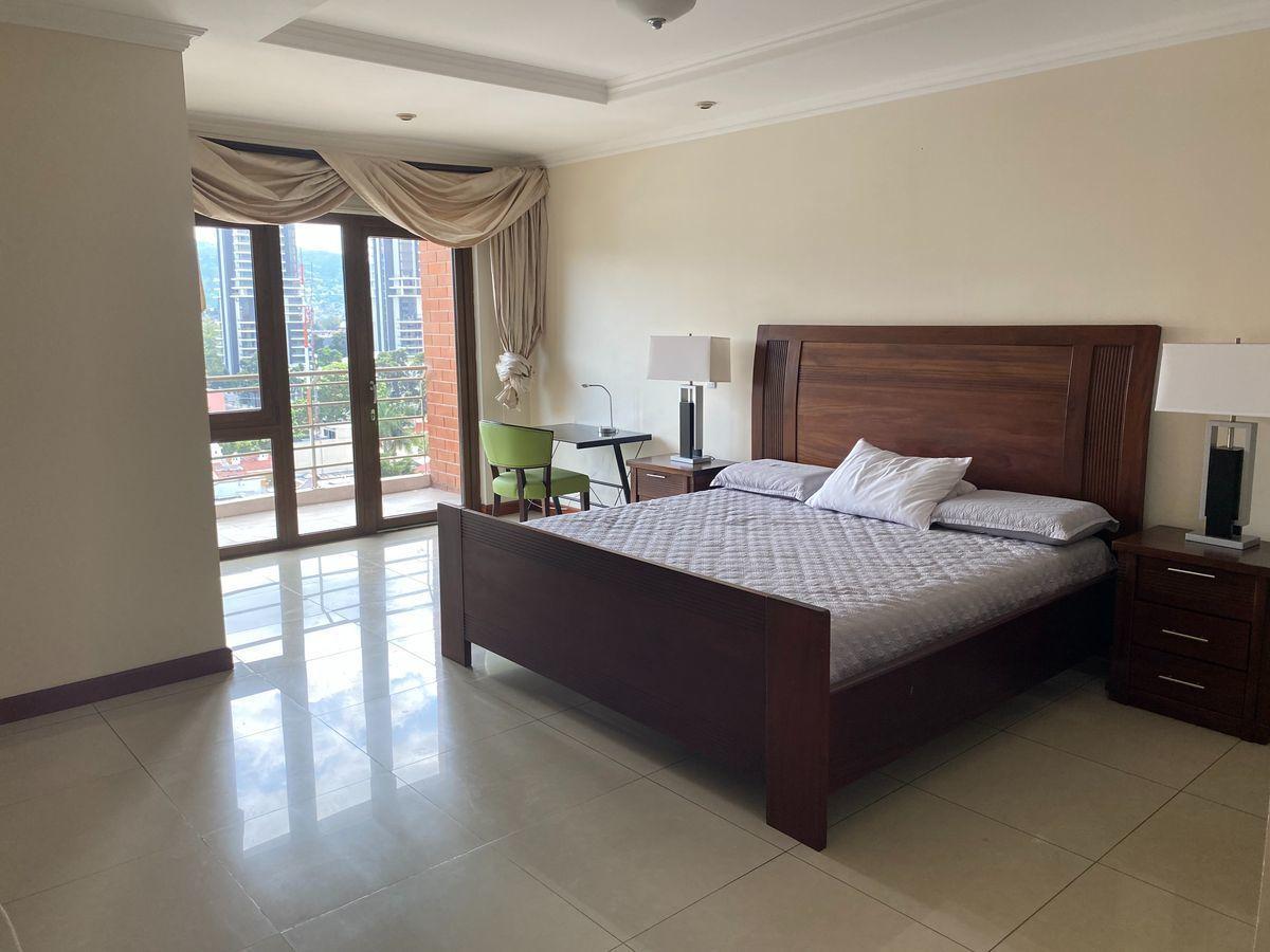 5 de 16: Dormitorio principal