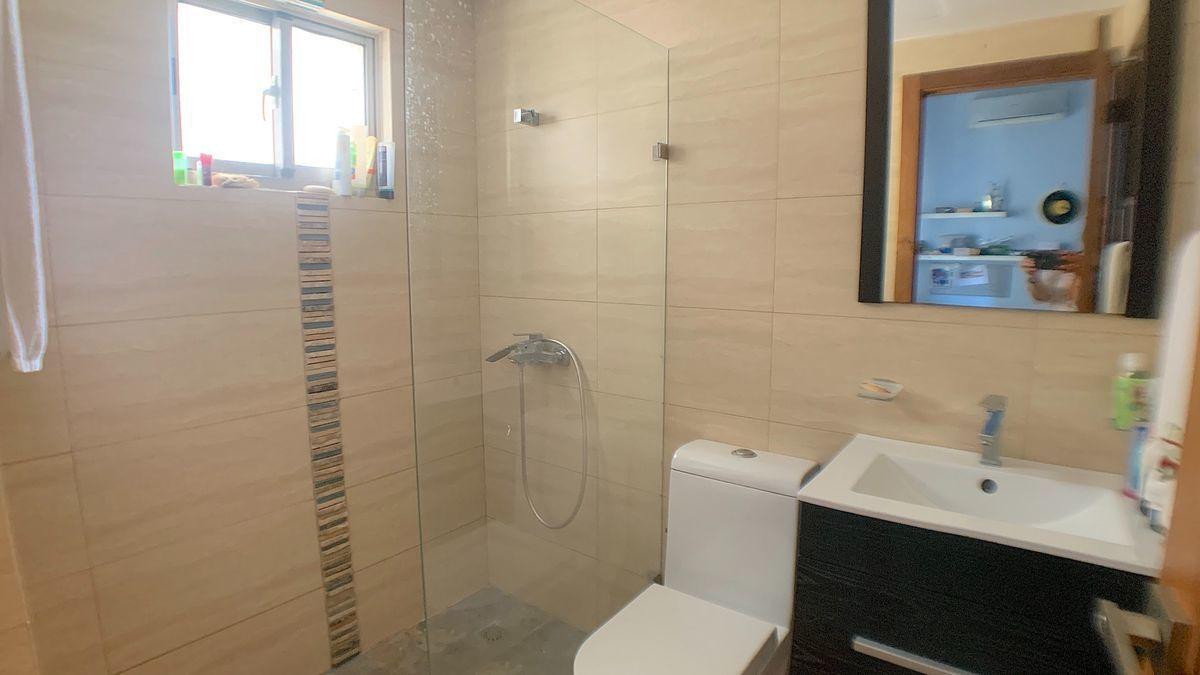 15 de 22: Baño habitación secundaria 2