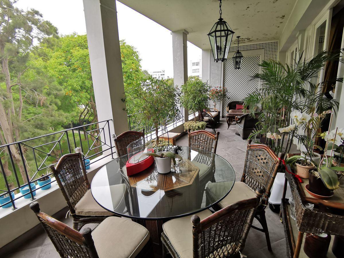 6 de 35: Gran Terraza con espacio para sala y comedor de terraza
