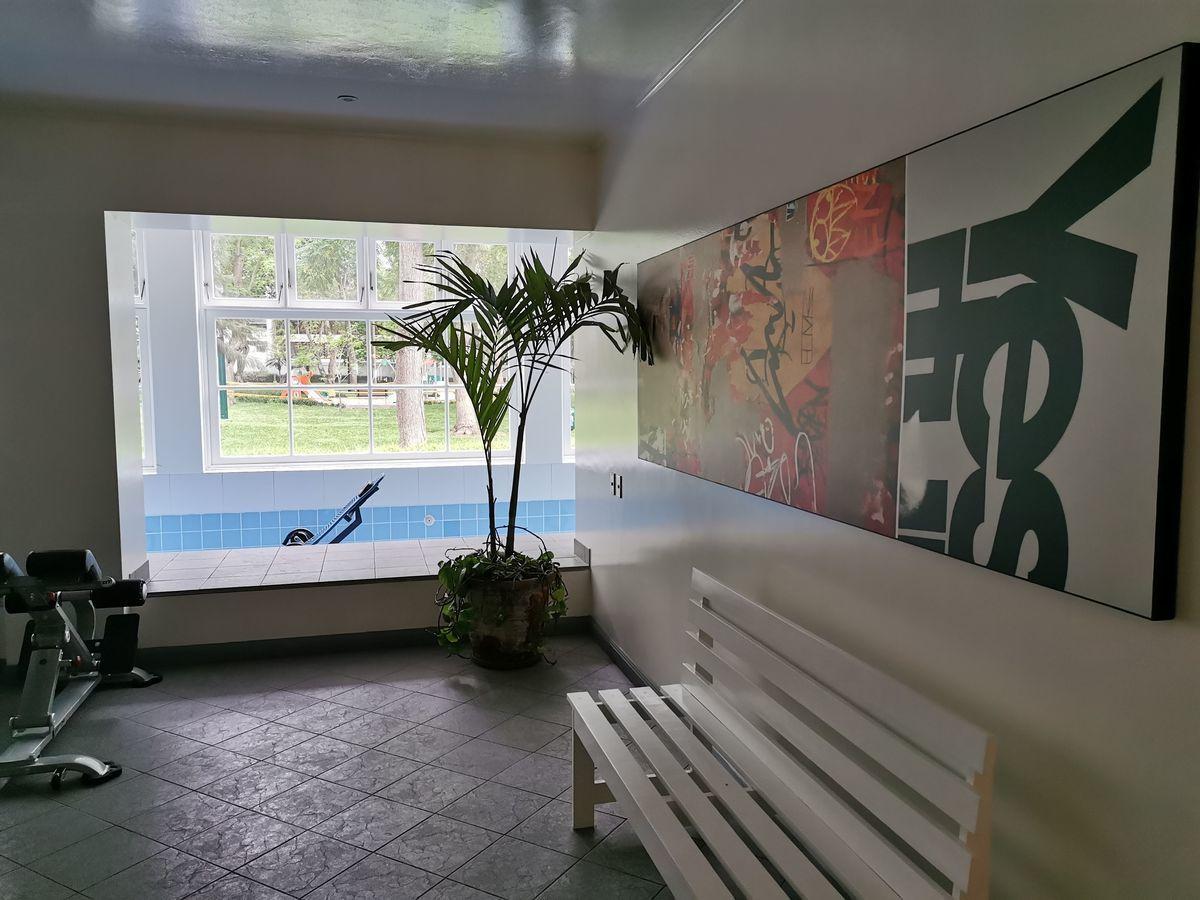 11 de 35: Piscina y gimnasio en Área Común con Vista al Parque