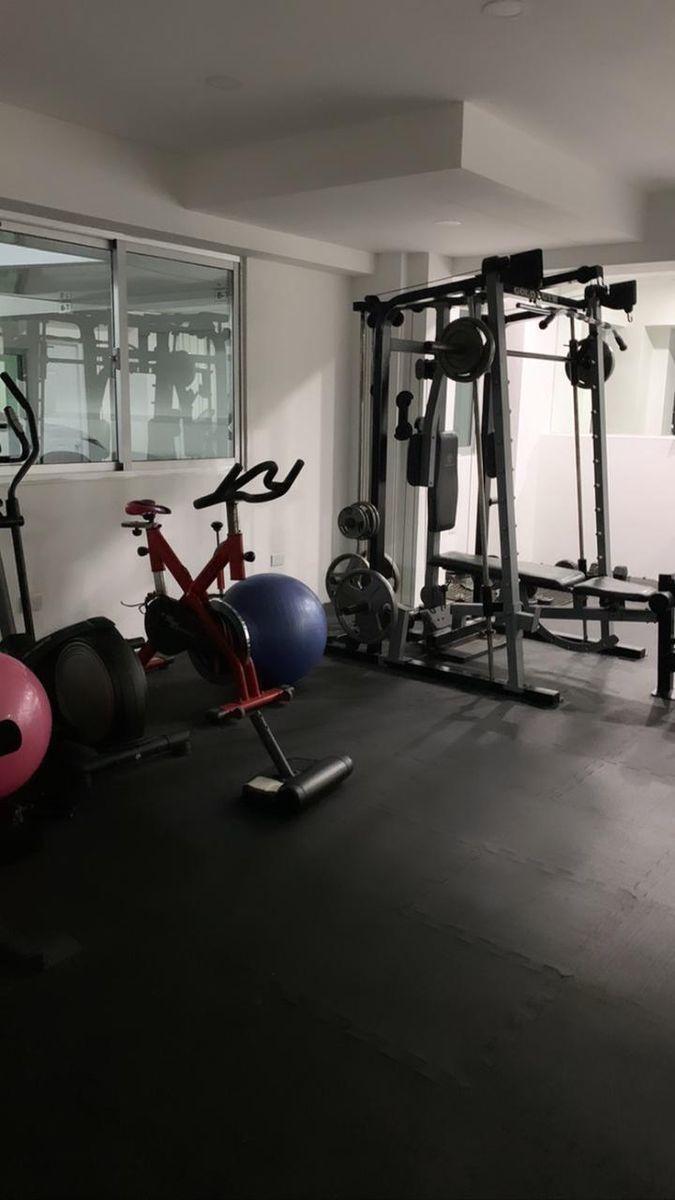 12 de 18: Gym