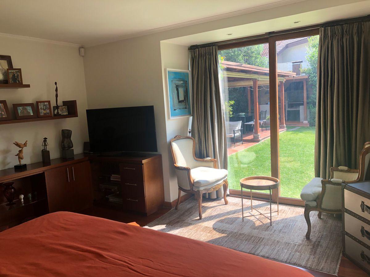 15 de 21: Dormitorio principal vista jardín
