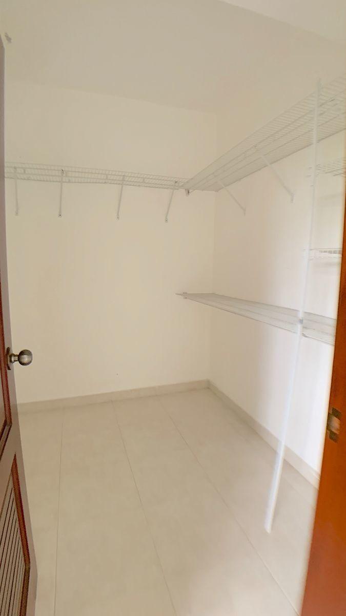 18 de 18: Walk-in closet hab. principal