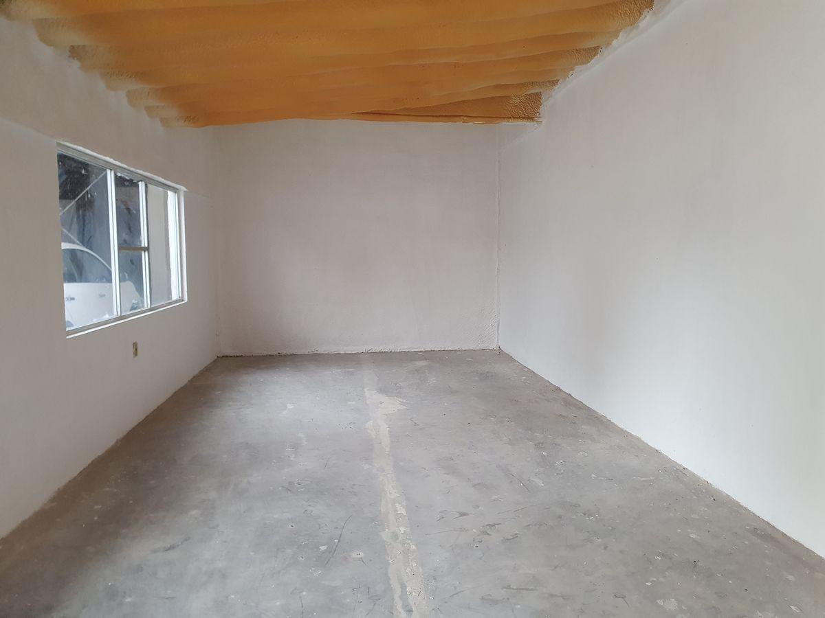 5 de 14: Interior oficina