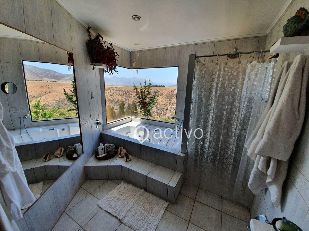14 de 20: Baño Dormitorio Principal Vista Nor Oriente