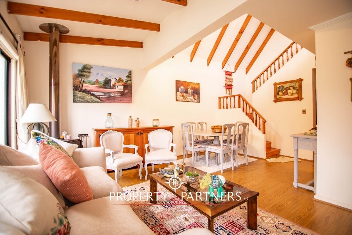 linda casa con ubicación inmejorable en balmaceda