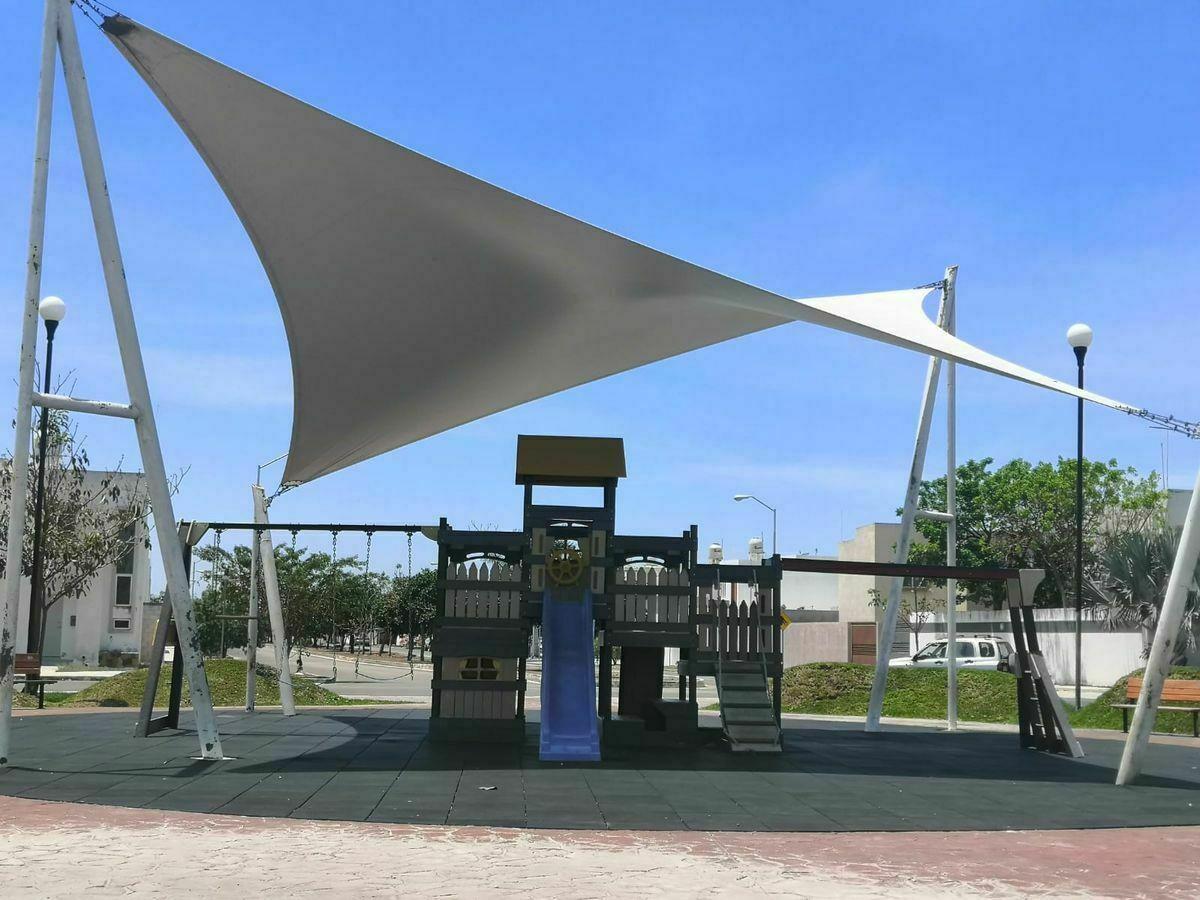 19 de 19: Área de Juegos Infantiles